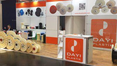 Dayı Plastik WIRE 2018 Düsseldorf Fuarında tüm ürün gamını ve yeniliklerini değerli müşterilerine ve ilgili ziyaretçilere sunumu ve tanıtımı sağlanmıştır.