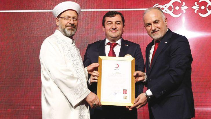 Türk Kızılay'dan Vatan Kablo'ya Ödül
